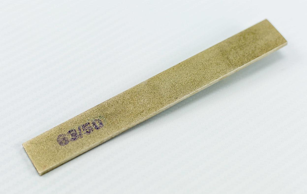 Двусторонний алмазный брусок 63/50, 150*20*3Бренды ножей<br>Двусторонний алмазный брусок 63/50, 150*20*3<br>Произведен в г. Златоуст<br>
