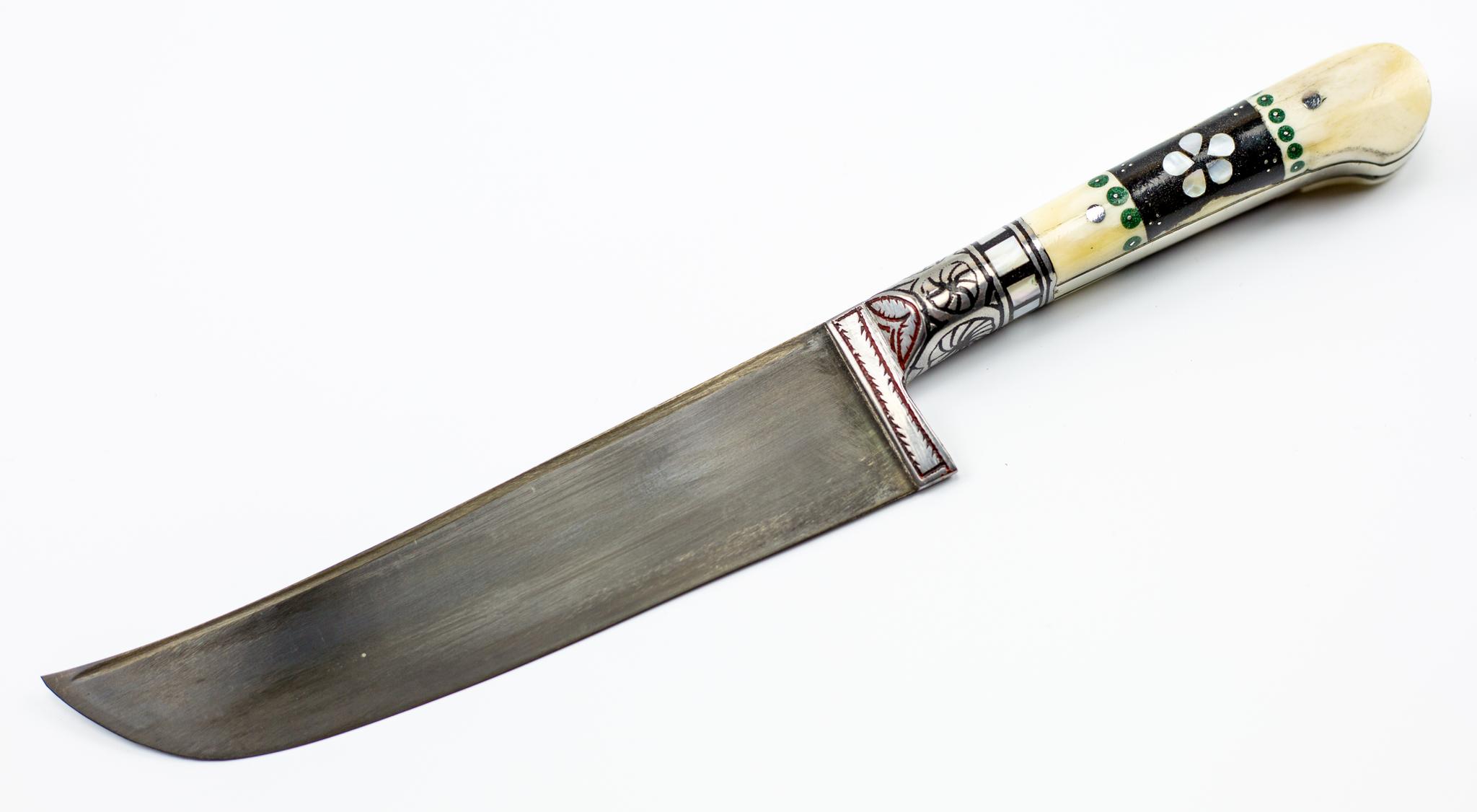 Пчак АфганкаУзбекские ножи Пчак<br>Пчак. Афганка, кость ёрма, эбонит, оловоДлина клинка 15-17 смОбщая длина 27-30 смТолщина клинка у основания 4,0-4,5 ммМарка стали ШХ15В комплекте чехол из кожзама.<br>