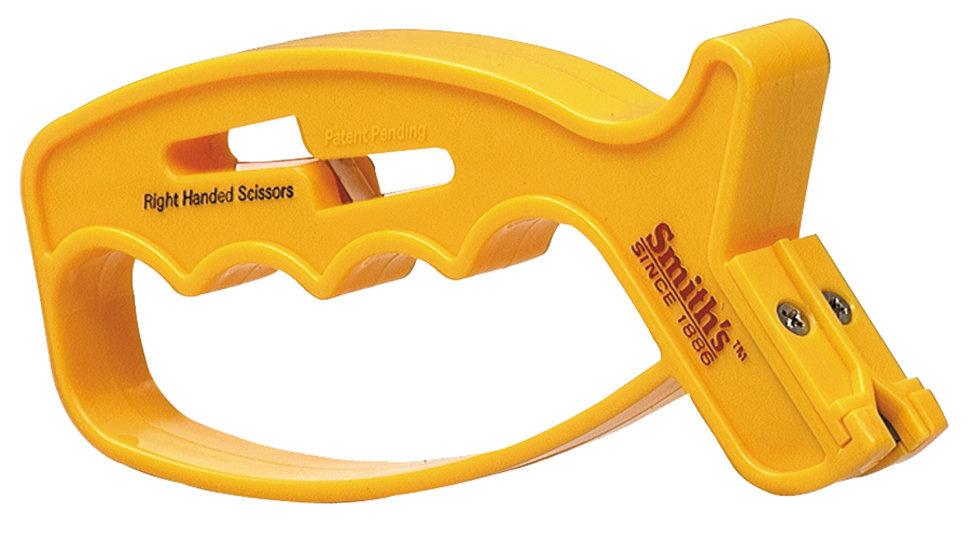 Точилка для ножей и ножниц JIFF-SНаборы и системы для заточки<br>Компактная точилка для ножей и ножниц придется по вкусу любому покупателю благодаря своей простоте использования и компактности. Облегчает процесс заточки специально разработанная форма точилки: эргономичная рукоятка хорошо помещается в ладони и позволяет легко и безопасно заточить лезвие. Отличительной особенностью является V-образная форма отсека для заточки ножа. В нем расположены два карбидных камня, которые обеспечивают быструю и качественную заточку всего за 2-3 протяжки.Заточить ножницы при помощи JIFF-S точилки также не составляет труда. Для этой функции специально приспособлены круглые керамические стержни. Точилка подходит как для обычных ножниц, так и для ножниц для левшей. Для заточки ножниц достаточно 3-4 протяжек (или более для очень тупых ножниц).Оптимальный угол для работы с лезвием уже задан изначально самим расположением карбидов, поэтому каждый раз процесс заточки едва ли займет больше нескольких минут. Кроме того, карбиды заменяемы, что продлевает срок использования изделия. Такая точилка идеально подойдет для кухонных, спортивных, универсальных и карманных ножей.<br>Характеристики:Количество этапов заточки: 1Стадия правки / полировки: ЕстьРекомендована для: Бытовые и швейные ножницы; Ножи с обычной режущей кромкой<br>