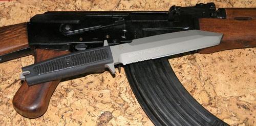 Фото 3 - Нож с фиксированным клинком Extrema Ratio Golem Sandblasted, сталь Bhler N690, рукоять Kraton®/Zytel®