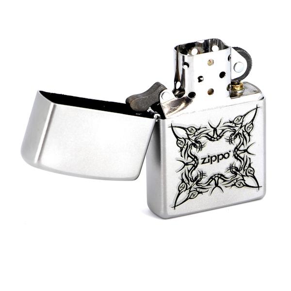 Фото 2 - Зажигалка ZIPPO Tattoo Design Satin Chrome, латунь с ник.-хром. покрыт.,серебр.,матовая, 36х56х12мм