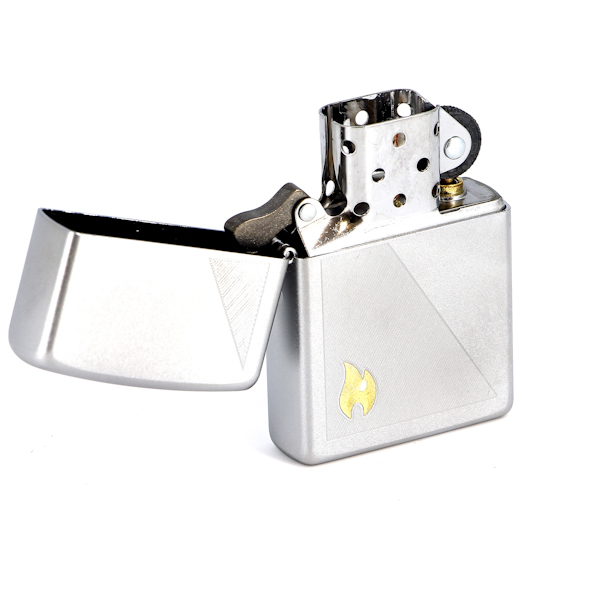 Фото 2 - Зажигалка ZIPPO Zippo Flame Satin Chrome, латунь с ник.-хром. покрыт.,серебр.,матовая, 36х56х12мм