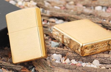 Золотые зажигалки