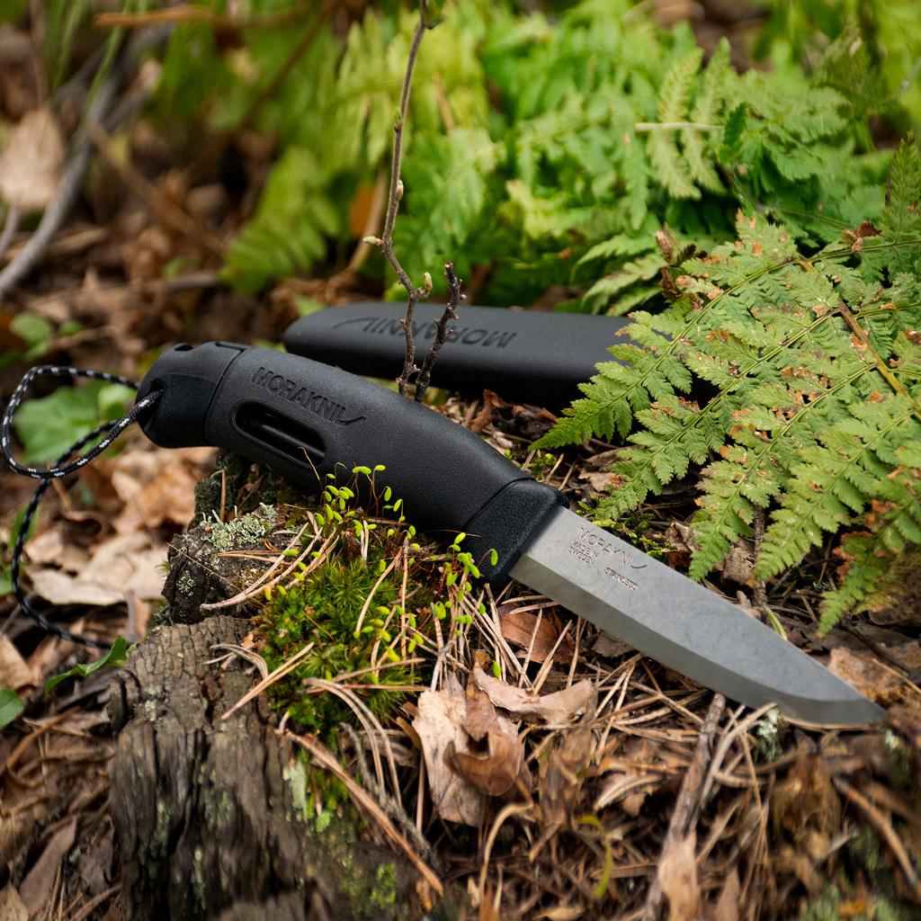 Фото 4 - Нож с фиксированным лезвием Morakniv Companion Spark Black, сталь Sandvik 12C27, рукоять резина/пластик