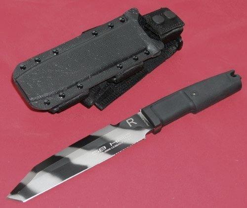 Фото 4 - Нож с фиксированным клинком Extrema Ratio Golem TigerTech Camo, сталь Bhler N690, рукоять пластик