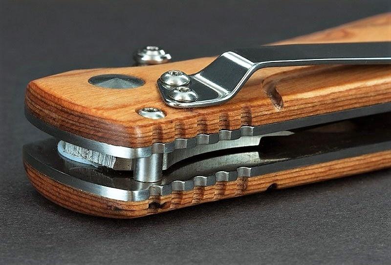 Фото 8 - Нож складной Magnum Pakka Hunter - Boker 01MB700, сталь 440B Satin Plain, рукоять пакка дерево
