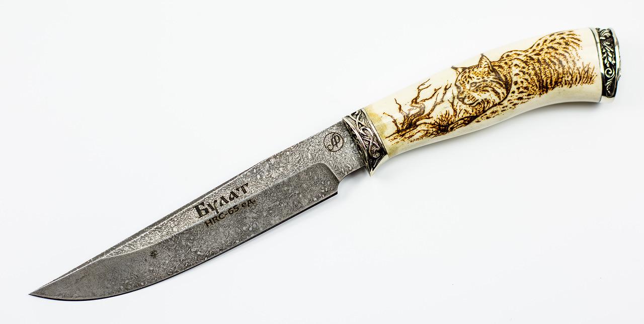 Нож Осётр, литой булат Баранова, кость