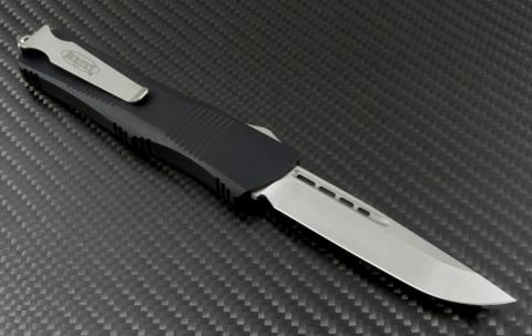 Автоматический фронтальный выкидной нож Troodon - Microtech 139-4 Black, сталь M390, рукоять алюминий. Вид 9