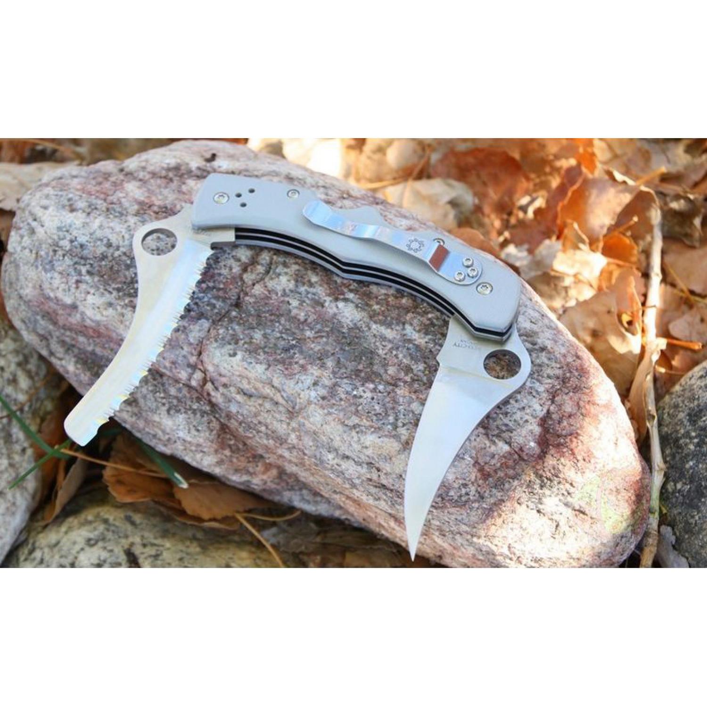 Фото 8 - Складной нож с двумя лезвиями Spyderco Dyad® - 44GP&SGY, сталь VG-10 Satin PlainEdge + Serrated (SpyderEdge™), рукоять стеклотекстолит G10, серый