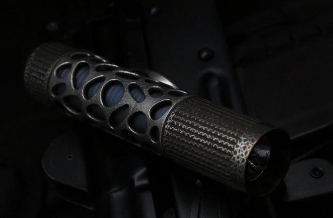 Фото 2 - Фонарь CKF Rama Raz Flashlight One от Custom Knife Factory