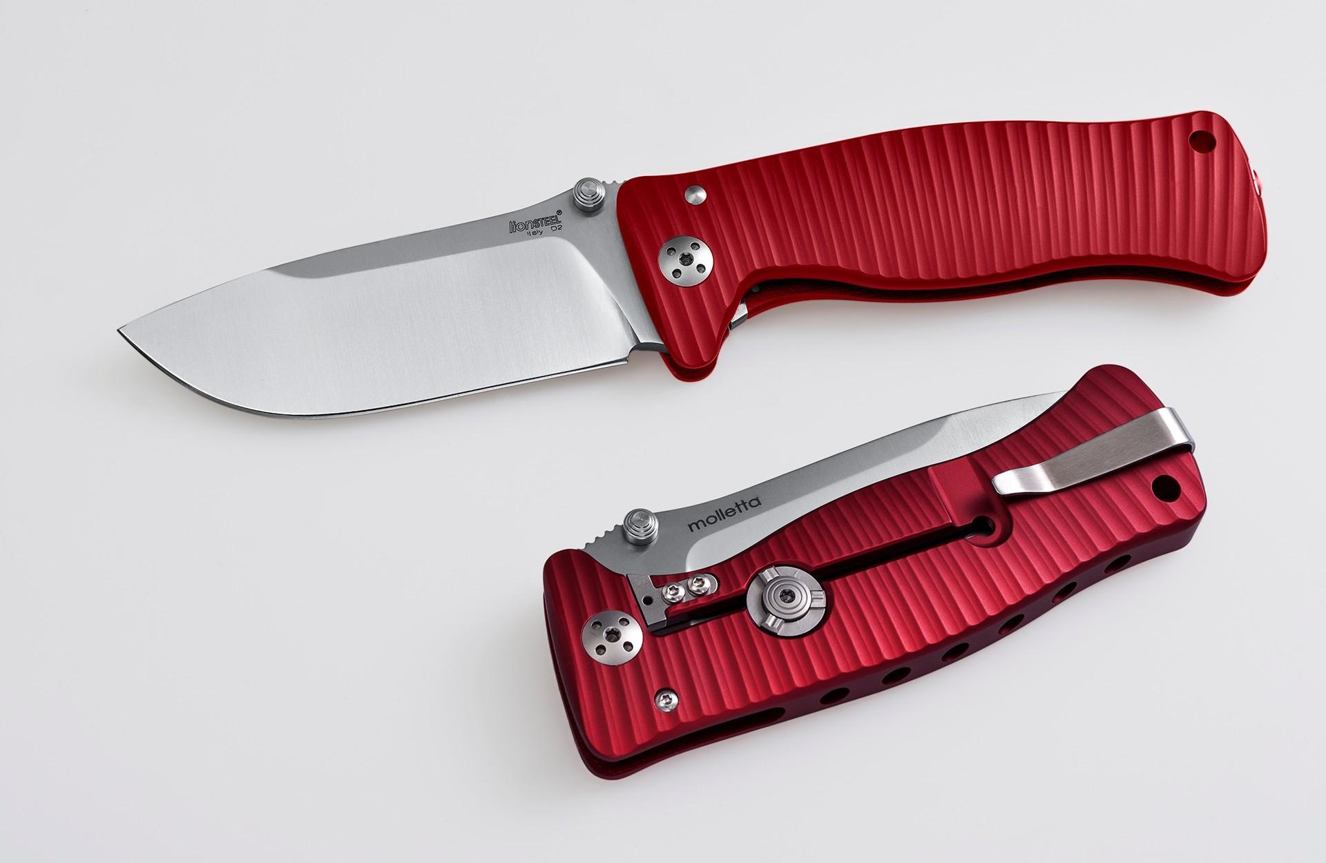 Фото 3 - Нож складной LionSteel SR1A RS RED, сталь D2 Satin Finish, рукоять алюминий (Solid®), красный от Lion Steel