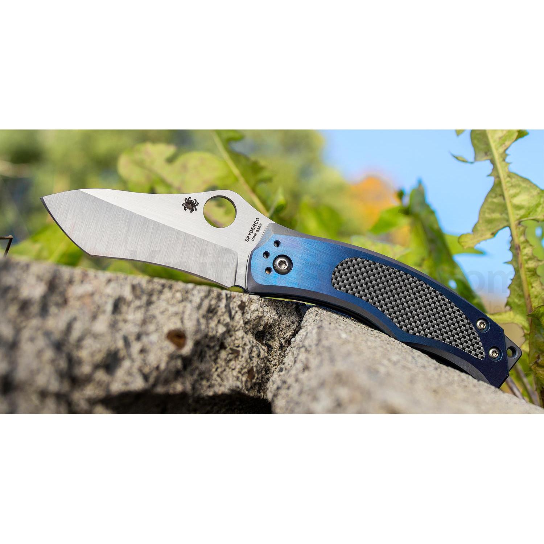 Фото 4 - Нож складной Vrango Spyderco 201TIBLP, сталь CPM® S30V Satin Plain, рукоять титан/карбон, синий