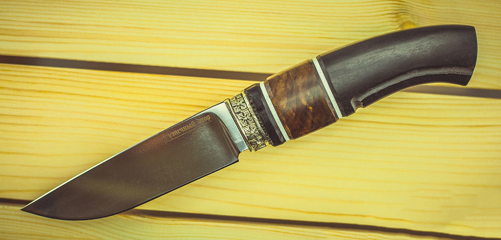 Фото 15 - Нож Гид, сталь K340, рукоять граб, вставка из карельской березы от Ножи Крутова