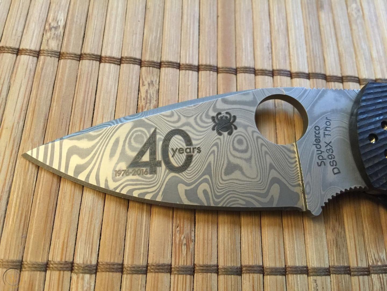 Фото 6 - Складной нож Native 5 40th Anniversary Spyderco C41CF40TH, сталь Thor™ Pattern Damasteel®, рукоять карбон