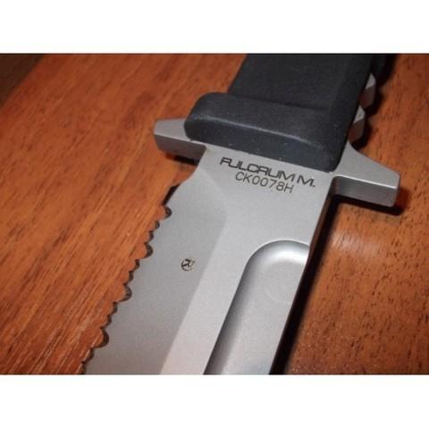 Нож с фиксированным клинком Extrema Ratio Fulcrum Magnum Sandblasted, сталь Böhler N690, рукоять пластик. Вид 2