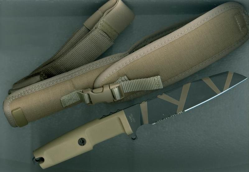 Фото 8 - Нож с фиксированным клинком Extrema Ratio Task Desert Warfare 1/3 Serrated, сталь Bhler N690, рукоять прорезиненный форпрен