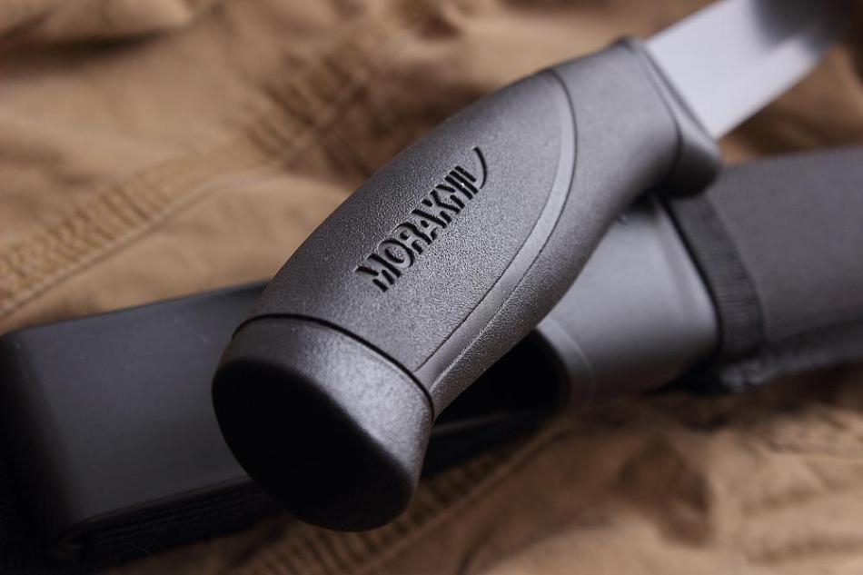 Фото 9 - Нож с фиксированным лезвием Morakniv Companion Tactical BlackBlade, сталь Sandvik 12С27, рукоять эластомер