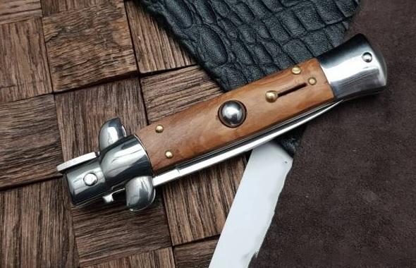 Фото 4 - Полуавтоматический складной нож Magnum Sicilian Needle Olive Wood, сталь 440A Satin Plain, рукоять дерево, 01MB279 от Boker