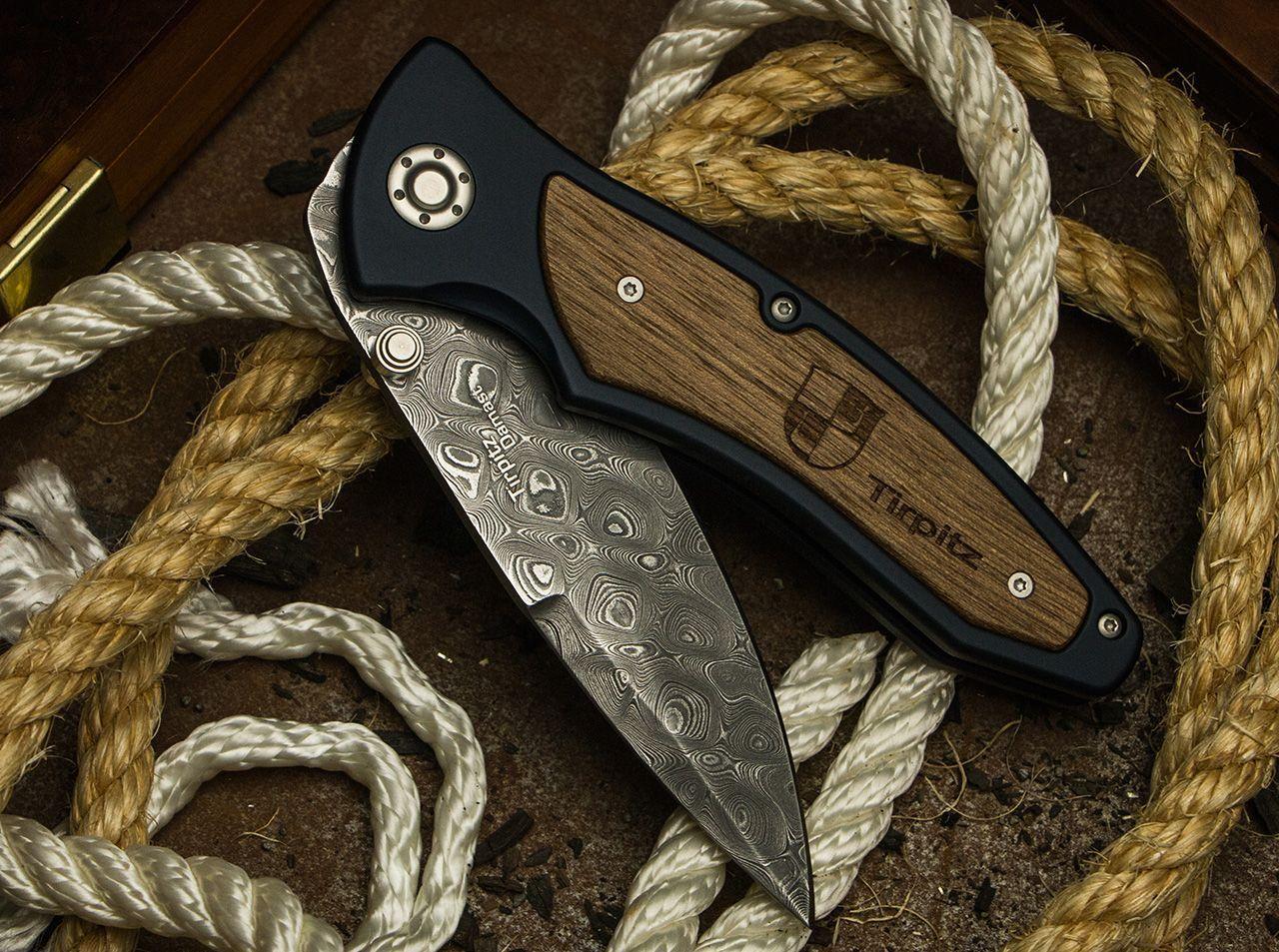 Фото 10 - Складной нож Tirpitz-Damascus Boker 110190DAM, дамасская сталь, рукоять алюминий/ореховое дерево