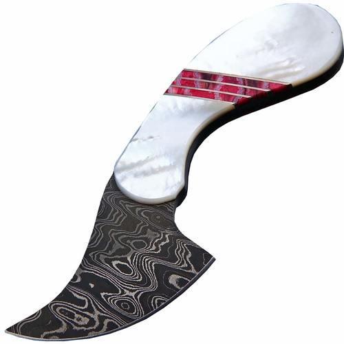 Разделочный шкуросъемный нож с фиксированным клинком Santa Fe, дамасская сталь, рукоять перламутр