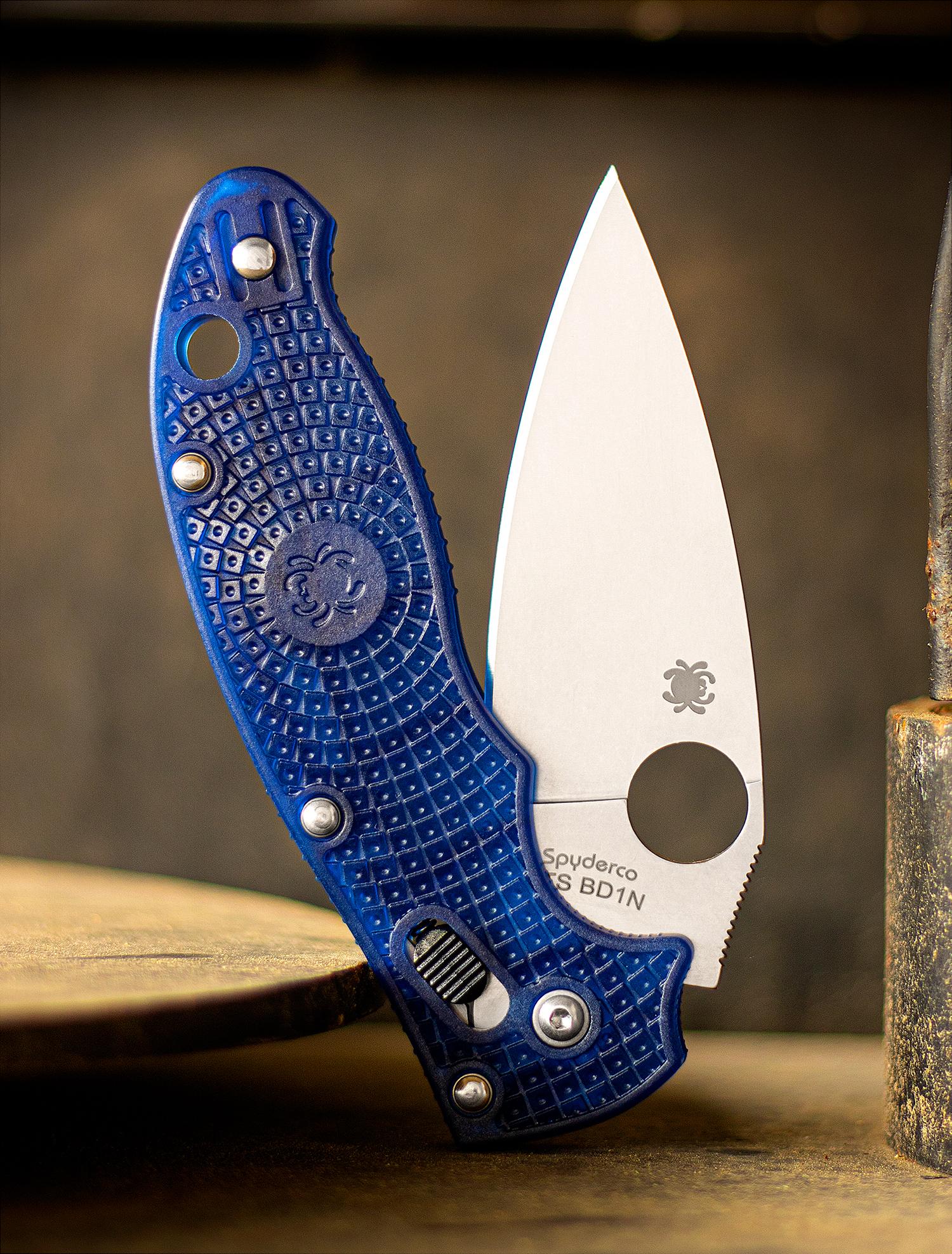 Фото 9 - Нож складной Manix 2 Lightweight Blue Spyderco 101PBL2, сталь Carpenter CTS™ - BD1 Alloy Satin Plain, рукоять пластик FRCP, синий