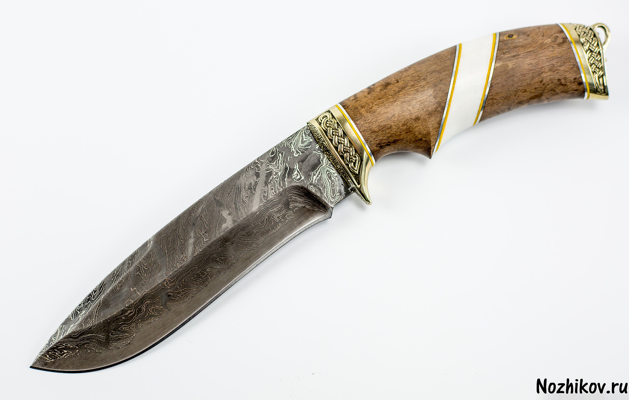 Нож из ламинированной дамасской стали Скиф, карельская береза