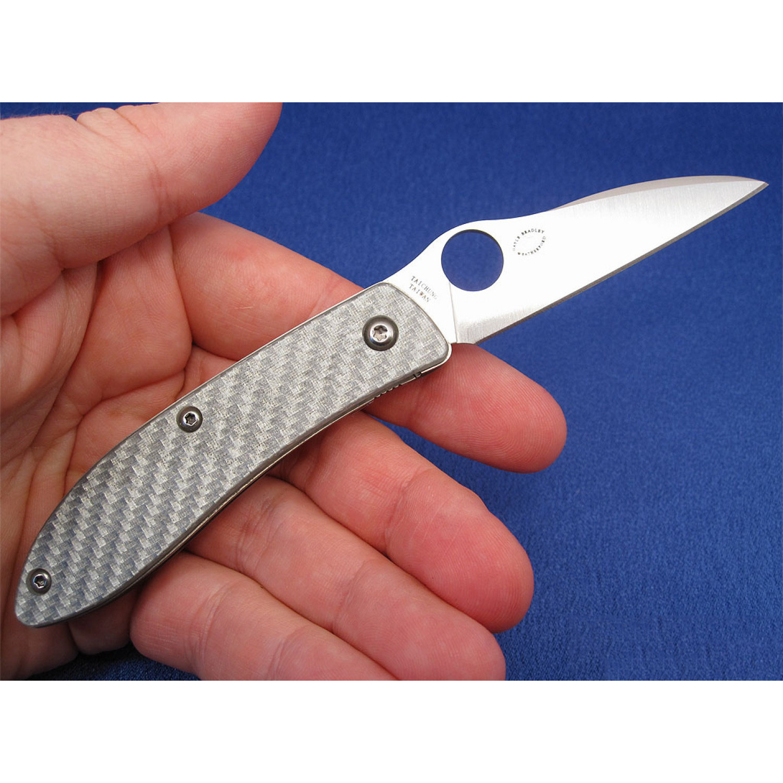 Фото 13 - Нож складной Air™ (дизайнер Gayle Bradley) Spyderco 159GFP, сталь CPM-M4 Satin Plain, рукоять термопластик/титан серый