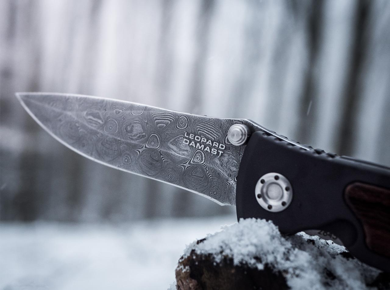 Фото 11 - Нож складной Leopard Damascus II - Boker 111054DAM, дамасская сталь Plain, рукоять анодированный алюминий/дерево, коричневый