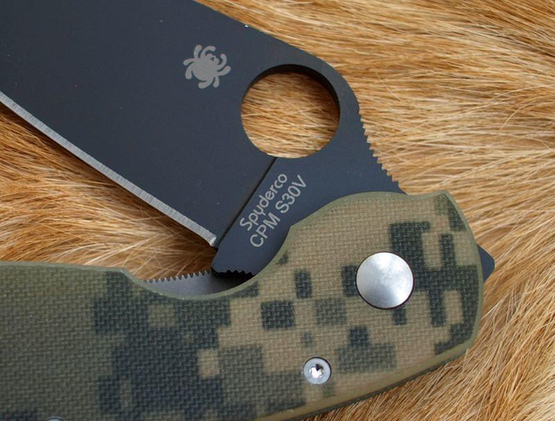 Фото 4 - Нож складной Military Model - Spyderco C36GPCMOBK, сталь Crucible CPM® S30V™ Black DLC Coated Plain, рукоять стеклотекстолит G10, цифровой камуфляж (Digi Camo)