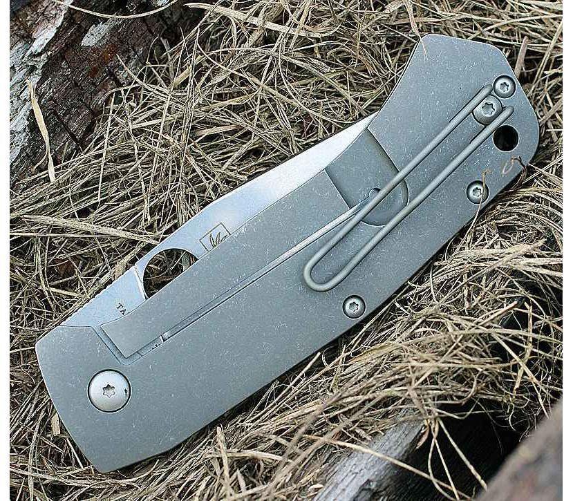 Фото 5 - Нож складной Marcin Slysz Bowie™ Spyderco 186TIP, сталь Carpenter CTS™ - XHP Micro-Melt® Alloy Satin Plain, рукоять титан