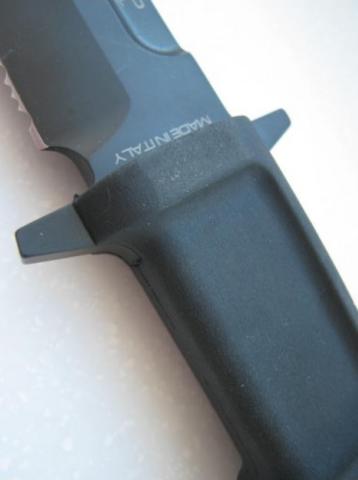 Нож с фиксированным клинком Extrema Ratio Fulcrum Testudo, сталь Böhler N690, рукоять пластик. Вид 3