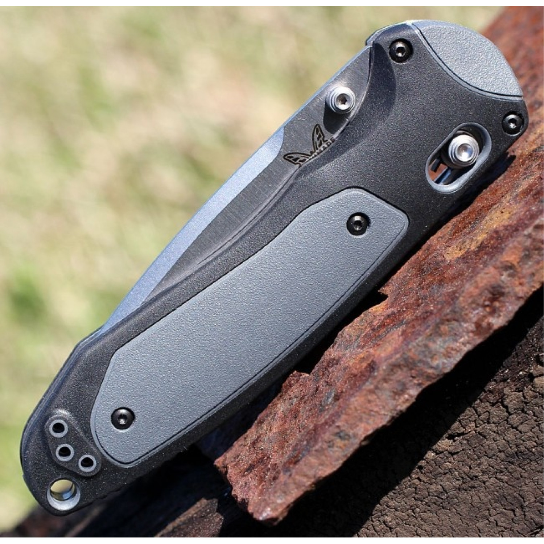 Фото 7 - Складной нож Boost, Black Versaflex Handle with Gray Grivory Inlays от Benchmade