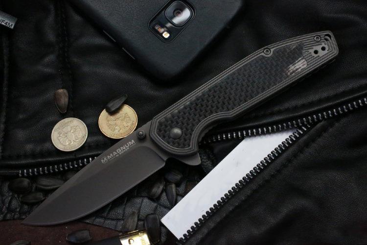 Фото 9 - Нож складной Magnum Carbon Frame - Boker 01RY701, сталь 440A Titanium Nitride Plain, рукоять карбон/титан
