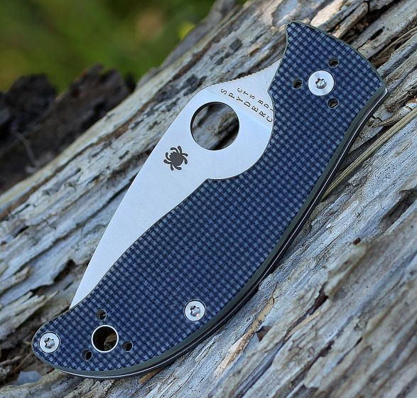 Фото 4 - Нож складной Alcione Spyderco 222GPGY, сталь Carpenter CTS™ - BD1 Alloy Satin Plain, рукоять стеклотекстолит G10, серый