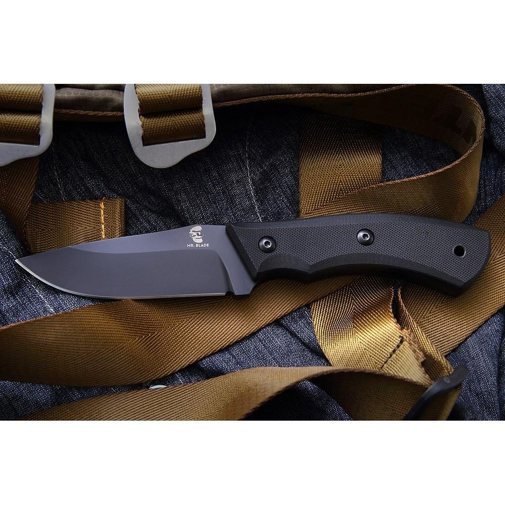 Нож Vito, Mr.BladeНовая серия ножей от популярного бренда Mr. Blade. Перед вами нож VITO. Сам клинок выполнен из стали AUS 8. Рукоять ножа укреплена накладками G10. Рукоять и клинок выполнены в черном цвете, который стал уже привычным для этого бренда. Данный нож снабжен ножнами кайдекс, которые являются инновацией в мире ножен. Легкие, не трескаются, не ломаются, надежное хранилище для вашего ножа. Ножны же в свою очередь снабжены клипсой, которая может менять свое положение и фиксироваться по всей ширине ремня, что делает ее действительно универсальной.