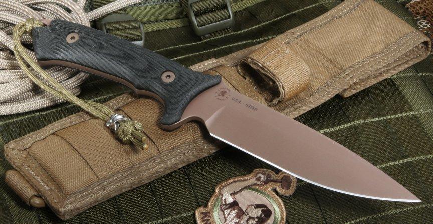Фото 5 - Нож с фиксированным клинком Spartan Blades Harsey Difensa, сталь CPM-S35VN Flat Dark Earth, рукоять черная микарта, чехол песочный