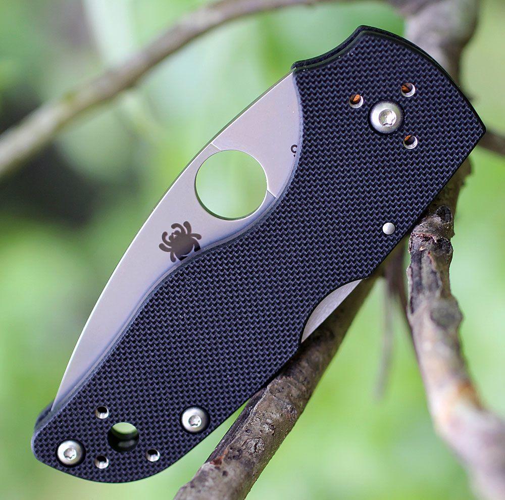 Фото 4 - Нож складной Lil' Native MID - Spyderco 230MBGS, сталь Crucible CPM® S30V™ Satin Serrated, рукоять стеклотекстолит G10, чёрный
