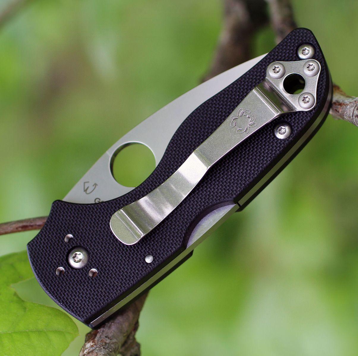 Фото 5 - Нож складной Lil' Native MID - Spyderco 230MBGS, сталь Crucible CPM® S30V™ Satin Serrated, рукоять стеклотекстолит G10, чёрный