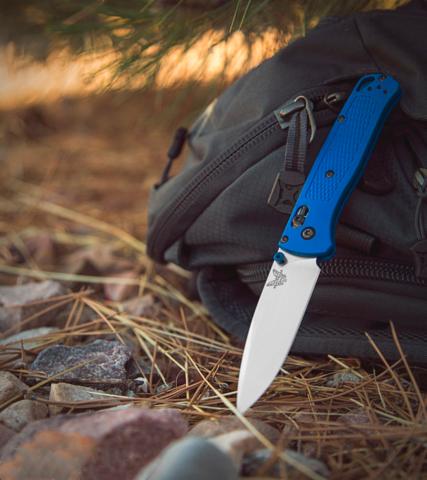 Нож складной Benchmade Bugout Blue 535, сталь S30V, рукоять пластик. Вид 5
