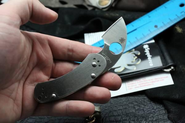 Фото 6 - Нож складной Equilibrium Spyderco 166P, сталь VG-10 Satin Plain, рукоять нержавеющая сталь