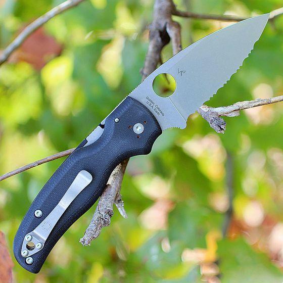 Фото 5 - Складной нож Spyderco Shaman 229GS, сталь CPM® S30V™ Stonewash Serrated, рукоять стеклотекстолит G10, чёрный