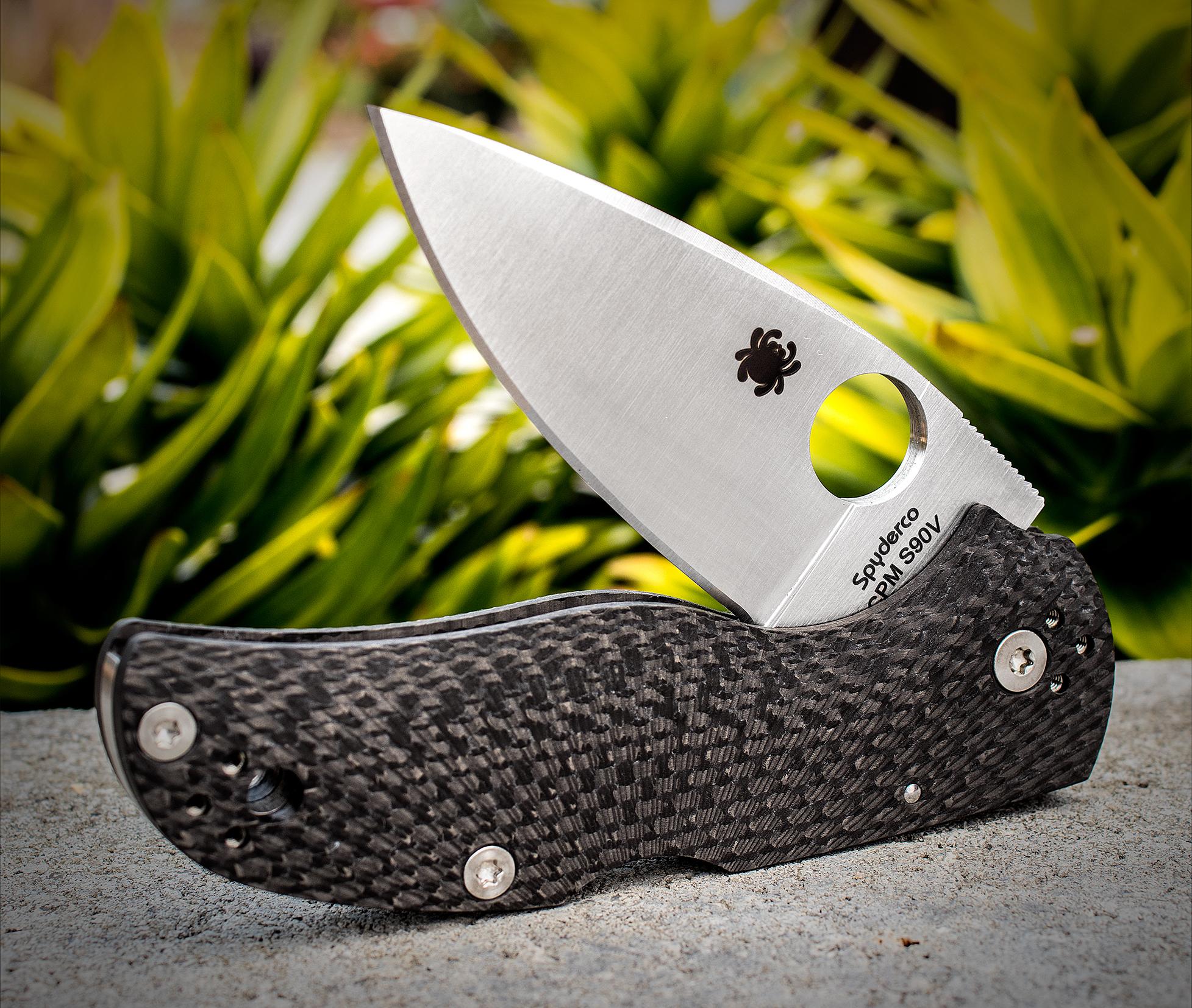 Фото 5 - Складной нож Native 5 Fluted - Spyderco 41CFFP5, сталь CPM S90V Satin Plain, рукоять карбон, чёрный