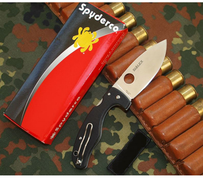 Фото 8 - Нож складной Junior - Spyderco 150GP, сталь VG-10 Satin Plain, рукоять стеклотекстолит G10, чёрный
