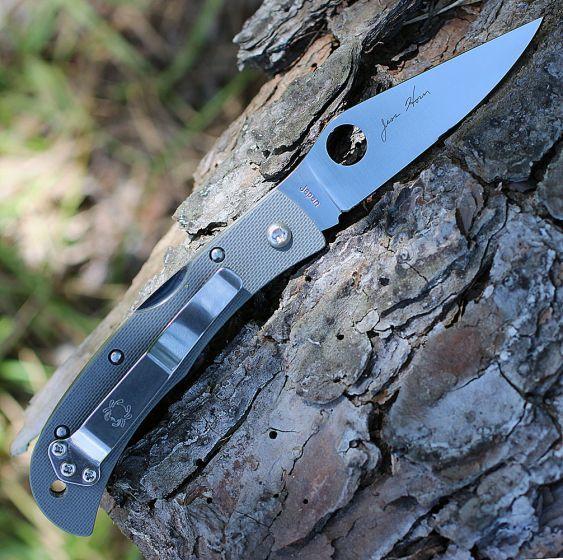 Фото 5 - Нож складной Baby Horn Spyderco CX08GGYP, сталь VG-10 Satin Plain, рукоять стеклотекстолит G10, серый