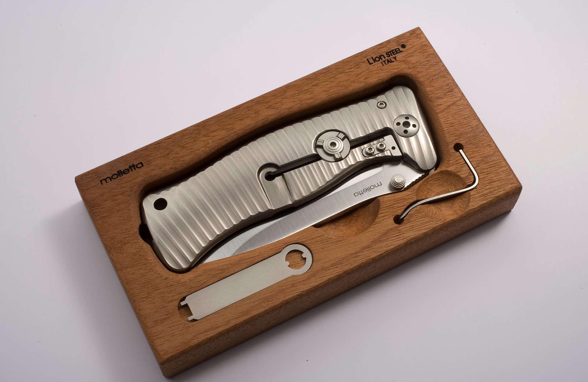 Фото 5 - Нож складной LionSteel SR1 G, сталь Sleipner, рукоять титан от Lion Steel