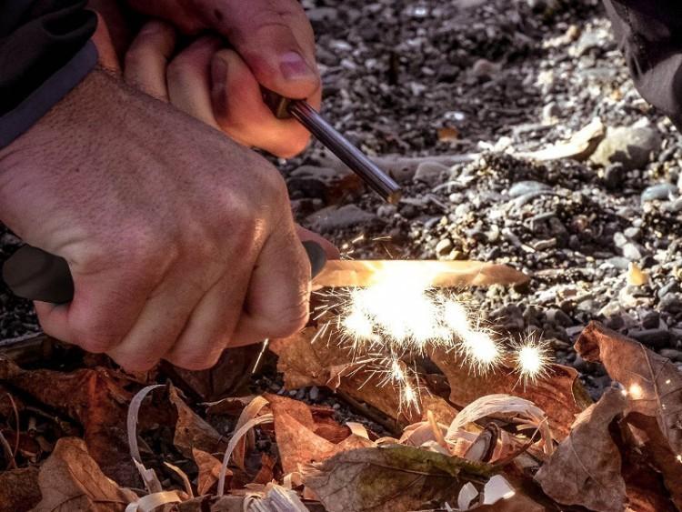 Фото 11 - Нож с фиксированным лезвием Morakniv Bushcraft Survival, сталь Sandvik 12C27, рукоять пластик/резина