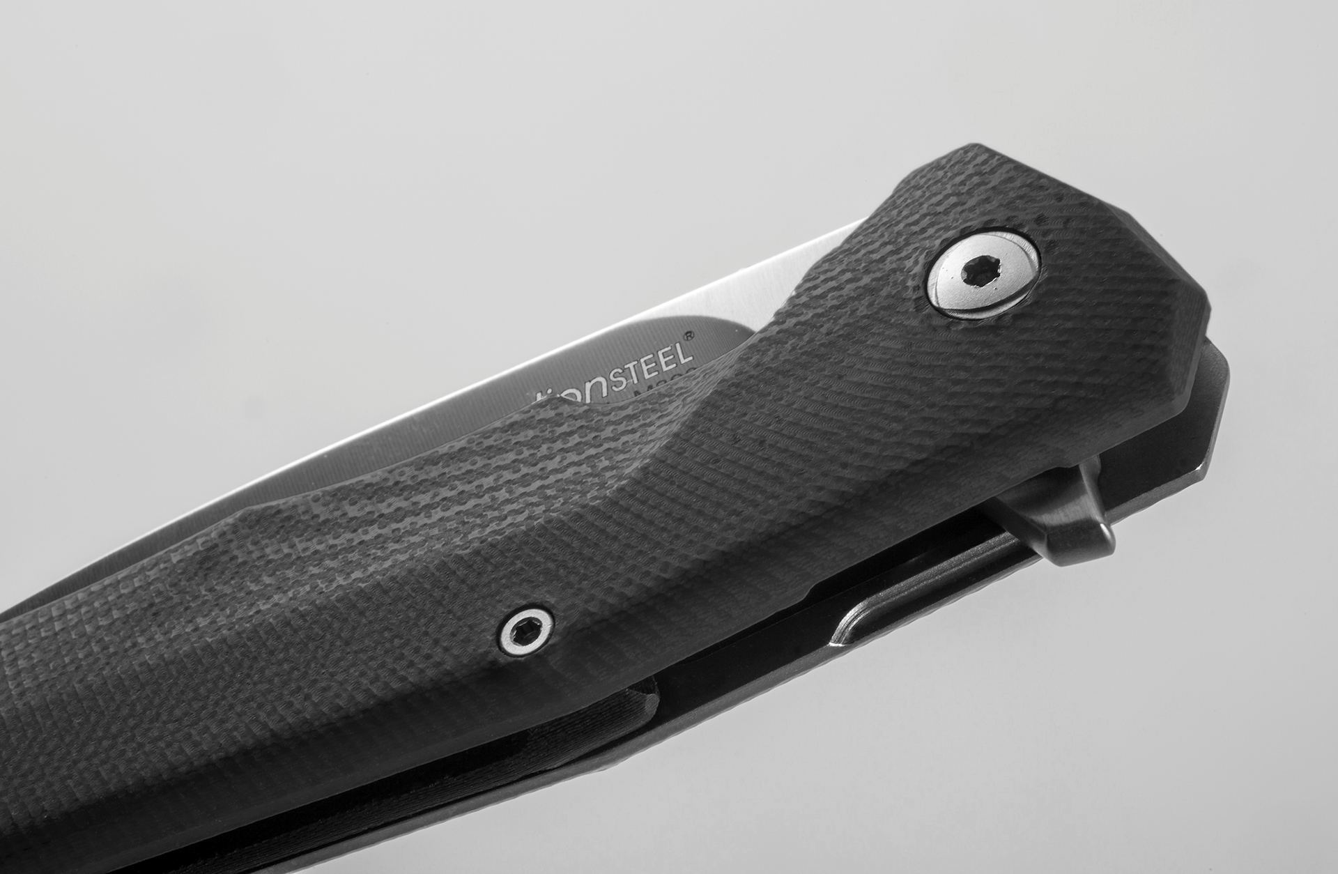 Фото 7 - Нож складной LionSteel T.R.E. G10 Black, сталь M390, рукоять G10/титан от Lion Steel