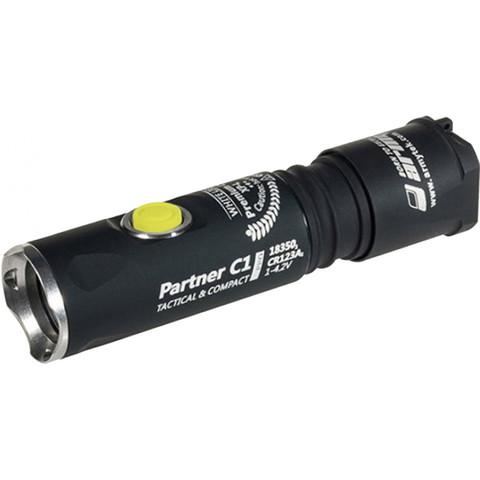 Фонарь светодиодный тактический Armytek Partner C1 Pro v3, 800 лм. Вид 1
