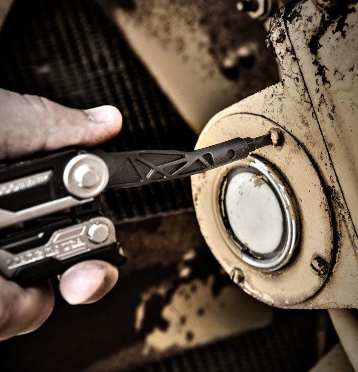 Фото 16 - Мультитул Gerber Center-Drive - 1, сталь 420НС, рукоять алюминиевый сплав от BearGrylls