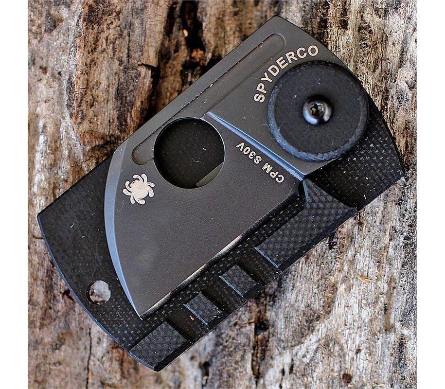 Фото 15 - Складной нож-брелок Dog Tag Folder Black - Spyderco 188CFBBKP, сталь CPM S30V TiNi coating, рукоять G10/карбон, чёрный